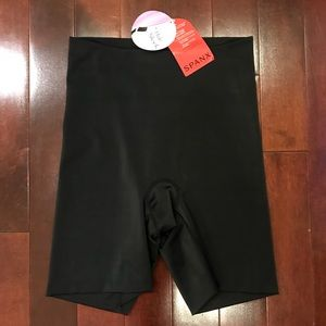 NWT SPANX Black Mid-Thigh Smoother Hide & Sleek